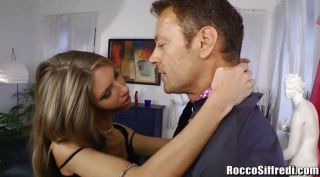 Rocco Siffredi defiles anally eine Ballerina