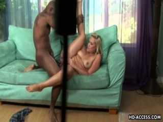 vollbusige blonde Mädchen hardcore interracial sex