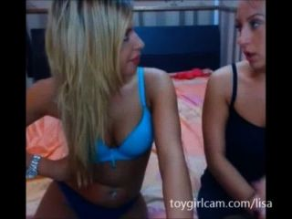 2 super hot Blondinen auf cam