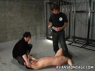 asian bitch hat eine wachsende und spanking bdsm session