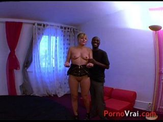 squirting blonde multiorgasmic exhibitionist slap auf ass !! französischer Amateur