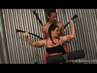 sophie dees Fitnessstudio Blowjob