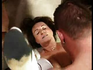 Deutsch Oma Super MILF Orgie Teil 2