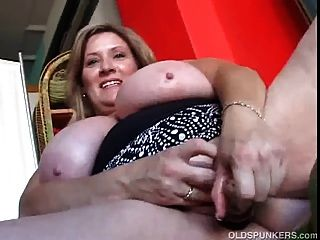 love toys and Alte MILF fickt Nachbar very strong independent girl