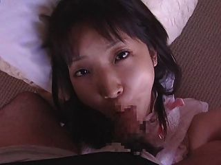 asiatische Puppe recieves riesigen messy facial 2