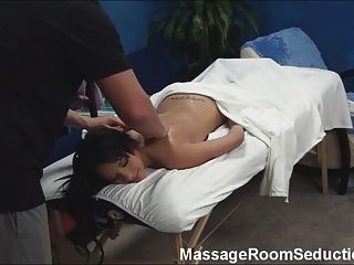Hot Teen Gefickt Von Massagetherapeuten!