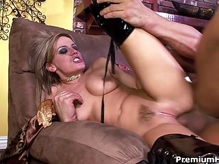 Holly Wellin sich riss ihr anal off