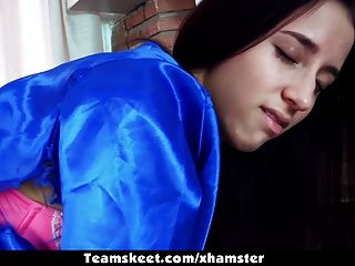 teamskeet - Cheerleader belle knox Höckern & Schwalben