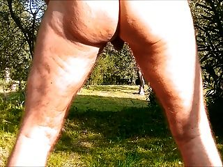 anal Raupe Dildo nackt in den Wald