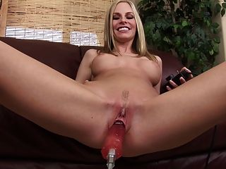 geile Blondine ficken sex machine