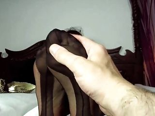 foot in ff-Nylons