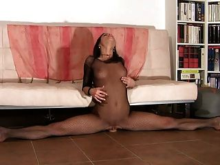 Flexible Turnerin Reitet Dildo & Multiple Orgasmen