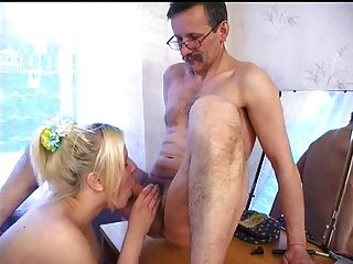 Big Tit Mamma Ball in der 2