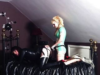 cd gefickt von blonde Herrin in Latex