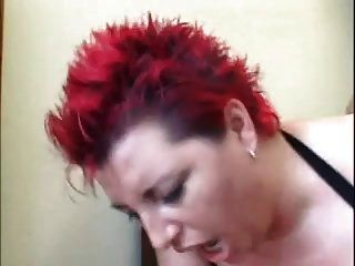 Chubby Redhead Frauen in Anal Action
