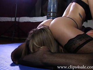 df004 sarah jain vs tena wrestling smother knockout match