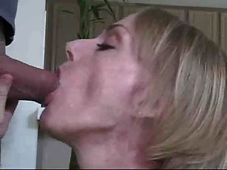 melanie skyy blowjob Königin