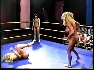 topless professionelle ring wrestling