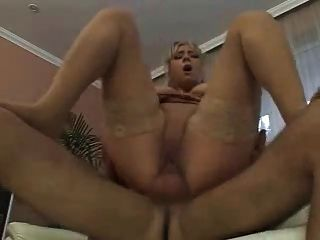 blonde deutsche milf in Dessous anal gefickt