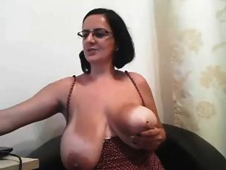 Grosse Brustwarzen Porno
