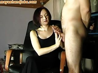 Riesiger Cumshot auf Maya Black Dress