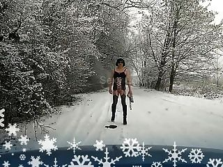 Trans Sissy Schlampe Winter Outdoor-Flash