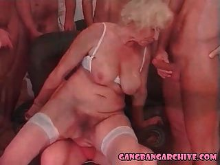 Gangbang Archiv Blonde Oma Orgie Party