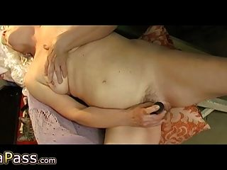 nicht so cool Amateur Oma Sex