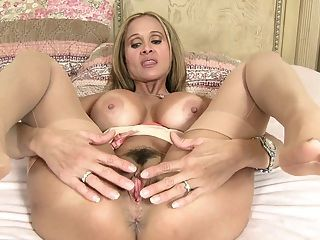 can and Brenda James Milf Anhänger mature lady, very easy