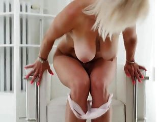big titted blonde milf von tschechisch rep.