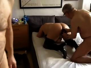 Bisex Thresome mit Opa