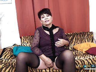 Europemature-Solo-Lady-Selbststimulationsfilmmaterial